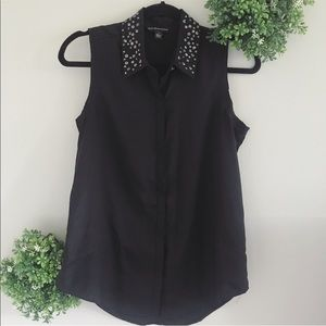 Black sleeveless button blouse w/ studded collar